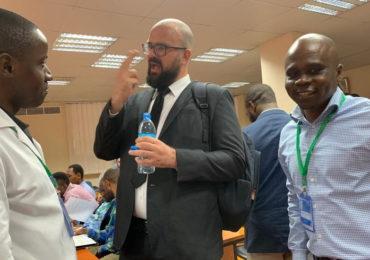El doctor Andreas Leidinger asistió como Facultativo Internacional Invitado en Tanzania